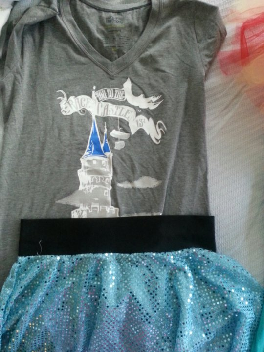 Princess 10K outfit - a pair of running capris under the blue sparkle skirt and I'm set to go here as well!