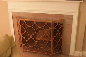 Gold/bronze geometric screen